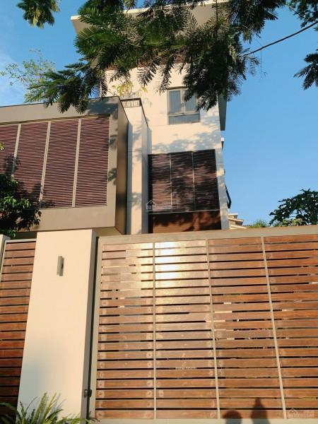 Nhà góc 2 mặt tiền Ngô Quang Huy, Quận 2, dtsd 210m2, bàn giao ngay, giá 23.5 tỷ, 210m2, ,
