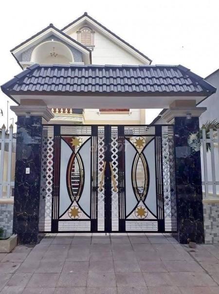 Nhà nguyên căn đường Phan Văn Hớn, Hóc Môn cần bán giá 765 triệu/tháng, dtsd 120m2, 120m2, 3 phòng ngủ, 4 toilet