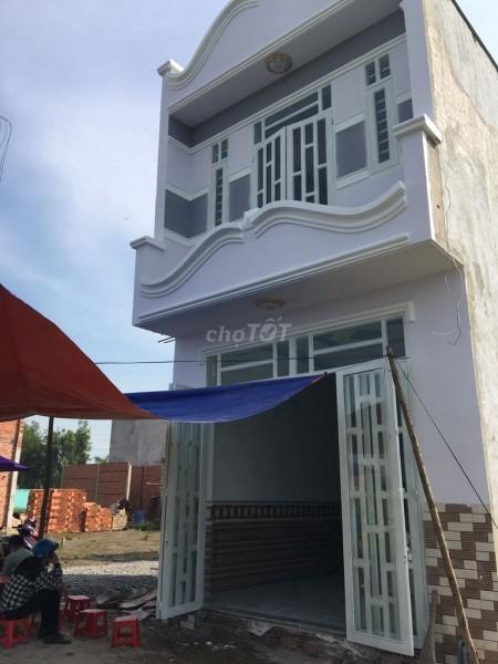 Nhà rộng 32m2, hẻm xe hơi Nguyễn Văn Bứa, Hóc Môn, cần bán giá 640 triệu, 2 tầng, 32m2, ,