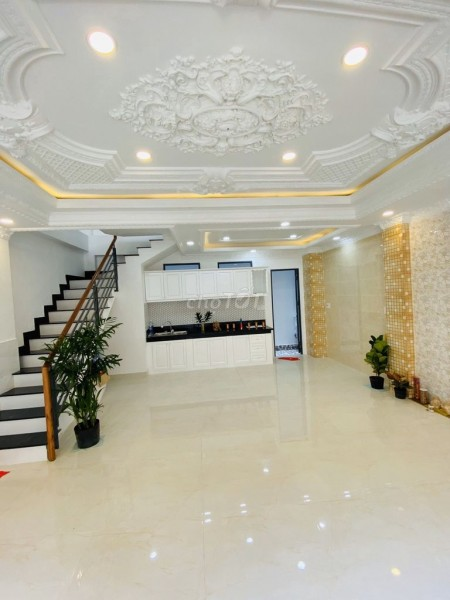 Cần bán nguyên căn đường Tân Vĩnh, Quận 4, rộng 239m2, 5 tầng, giá 13.5 tỷ, LHCC, 239.9m2, 7 phòng ngủ, 7 toilet