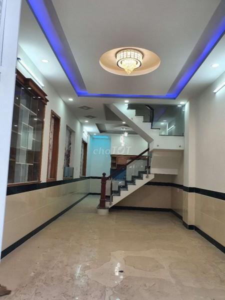 Hẻm 444 Lê Văn Khương, Quận 12 cần bán nhanh giá 4.3 tỷ, chính chủ, sổ riêng, dtsd 55m2, 55m2, 4 phòng ngủ, 4 toilet