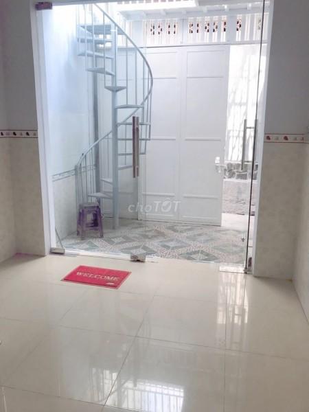 Nguyên căn còn mới rộng 40m2, 1 trệt, 1 lầu, giá 3 tỷ, có bớt lộc, hẻm Phan Huy Ích, Quận Gò Vấp, 40m2, 2 phòng ngủ, 2 toilet