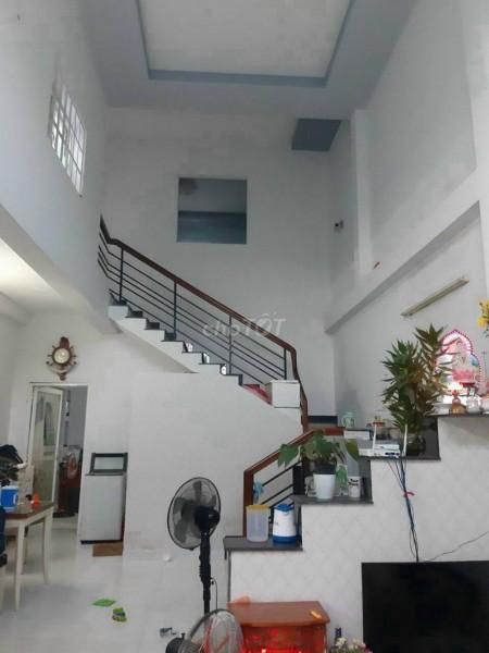 Mặt tiền 677 Nguyễn Văn Tạo, Bình Tân cần bán nguyên căn 90m2, 1 trệt, 1 lững, giá 2.1 tỷ, có bớt lộc, 90m2, 2 phòng ngủ, 2 toilet