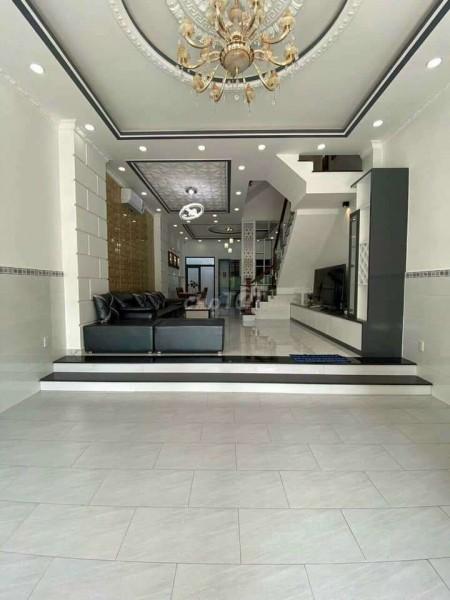 Đường Tạ Quang Bửu, Quận 8 cần bán nhanh giá 3.4 tỷ, thương lượng, dtsd 60m2, 3 tầng, 80m2, 4 phòng ngủ, 5 toilet
