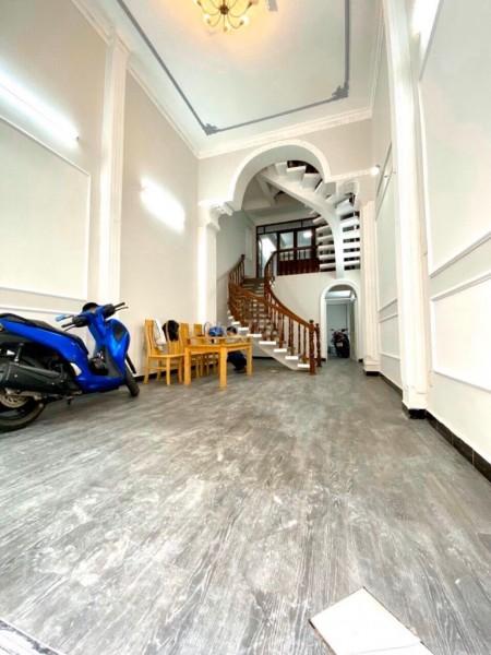 Bán nhà chính chủ rộng 72m2, 1 trệt, 4 lầu, giá 26.5 tỷ, chưa nội thất, hẻm Trần Quang Diệu, Quận 3, 72m2, 5 phòng ngủ, 6 toilet