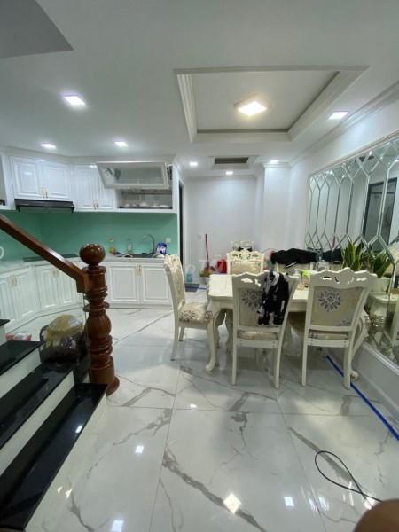 Chủ cần bán nhà mặt tiền rộng 53m2, 4 tầng, đường Trần Quang Khải, Quận 1, giá 9.25 tỷ, 53m2, 3 phòng ngủ, 3 toilet