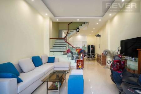 Bán nhà rộng 60.2m2, 3 tầng chính chủ để lại nội thất, hẻm Gò Cát, Quận 9, giá 5 tỷ, 60m2, 4 phòng ngủ, 4 toilet