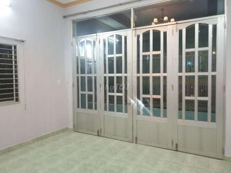 Bán nhà nguyên căn rộng 100m2, còn mới, hẻm an ninh 1806 Huỳnh Tấn Phát, Nhà Bè, giá 4.8 tỷ, 100m2, 2 phòng ngủ, 1 toilet