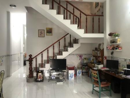 Mình cần bán nhà hẻm 11 Nguyễn Văn Cừ, Quận 1, dtsd 70m2, 2 tầng, giá 2.055 tỷ, 35m2, 2 phòng ngủ, 3 toilet