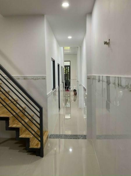 Có nhà đường Tăng Nhơn Phú, Quận 9, kết cấu 2 tầng, có nội thất, bán giá 840 triệu, dtsd 52m2, 52m2, 2 phòng ngủ, 2 toilet