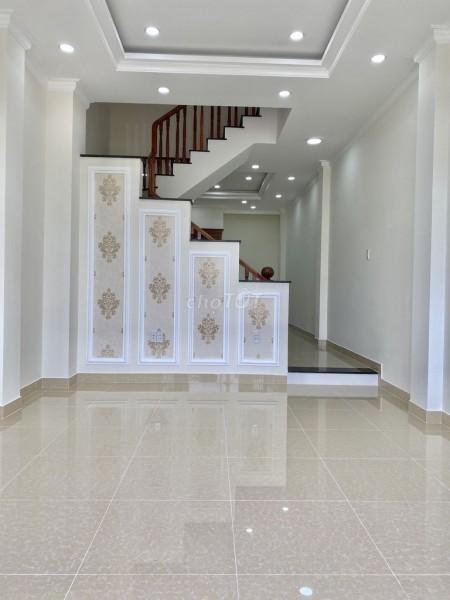 Cần bán nhà rộng 60m2, 3 tầng, nội thất cơ bản, bàn giao ngay, đc Quốc Lộ 13, Thủ Đức, giá 4.5 tỷ, 60m2, 3 phòng ngủ, 3 toilet
