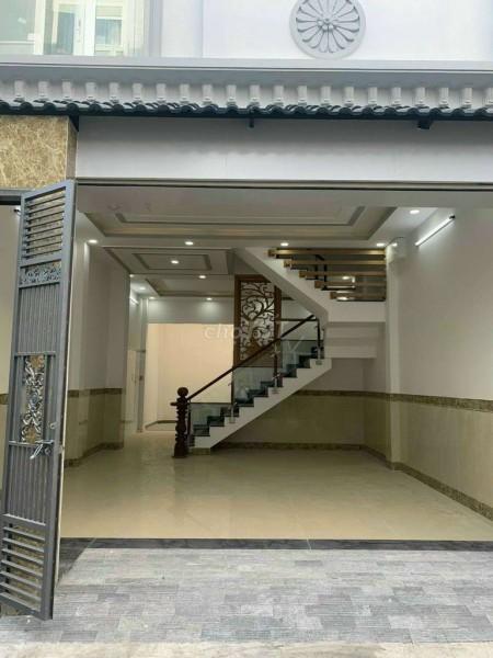 Nguyên căn còn mới dtsd 68m2, 4 PN, thiết kế gỗ, giá 5.5 tỷ, đường La Xuân Oai, Quận 9, 68m2, 4 phòng ngủ, 3 toilet