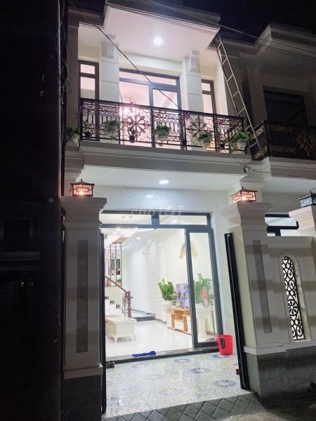 Bán nhà rộng 120m2, 1 trệt, 1 lầu, sàn gạch men, bàn giao trống, giá 1.25 tỷ, đường Nguyễn Văn Linh, Bình Chánh, 120m2, 2 phòng ngủ, 2 toilet