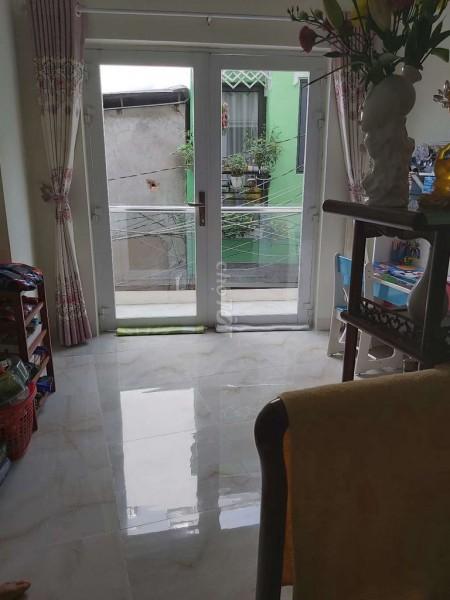 Chính chủ bán nhanh nhà rộng 35m2, 3 lầu, 3 PN, nhà trống, giá 3.1 tỷ, hẻm Trần Xuân Soạn, Quận 7, 35m2, ,