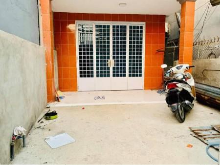 Đường Nguyễn Xí, Bình Thạnh cấn bán nhà rộng 83m2, 3 tầng, giá 65 triệu/m2, yên tĩnh, 83m2, ,