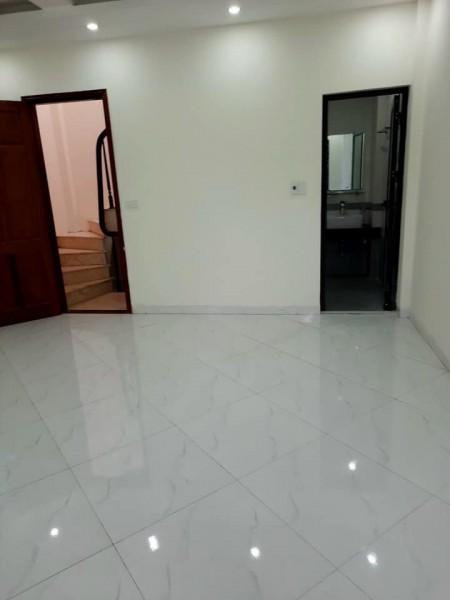 NHÀ MỚI TINH - BẰNG B Hoàng Mai 40M2 5t mt 4,6 m nhỉnh 2ty, 40m2, 3 phòng ngủ,