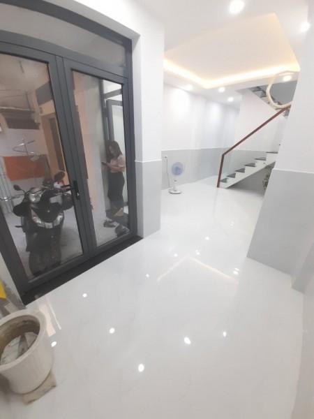 Cần bán nhà rộng 32m2, 1 trệt, 1 lầu sàn gạch men sạch sẽ, hẻm 115 Trần Đình Xua, giá 4 tỷ, 32m2, ,