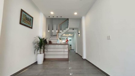 Hẻm Thích Bữu đăng cần bán nhà 1 trệt, 4 lầu đúc kiên cố, giá 5.85 tỷ, thương lượng chính chủ, 112m2, ,