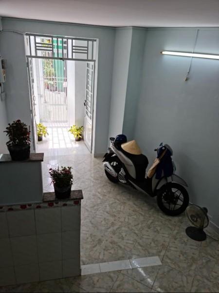 Cần bán nhà hẻm Hưng Phú, Quận 8, 1 trệt, 1 lầu đúc, dtsd 25m2, giá 2.5 tỷ, hoàn công đủ, 25m2, ,