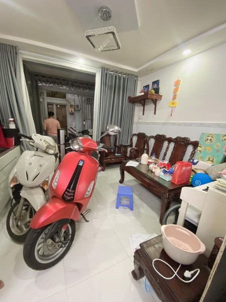 Chủ nhà cần bán nhanh nguyên căn rộng 40m2, giá 4.35 tỷ, hẻm Vườn Lài, Quận Tân Phú, 40m2, ,