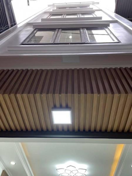 Nhà mới, vừa tiền , 5 tầng đầy đủ công năng, gần Linh Đàm - Hoàng Mai, gần sát ô tô, 40m2, 4 phòng ngủ,